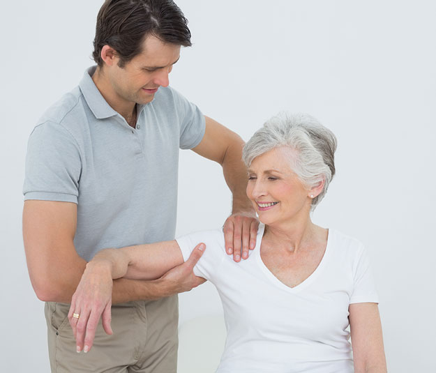 shoulder pain treated by chiropractor